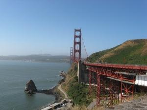 Golden Gate Brigde on a sunny day.