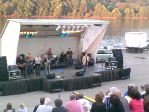 Billy Price preforms at The Aquatorium Monongahela,Pa